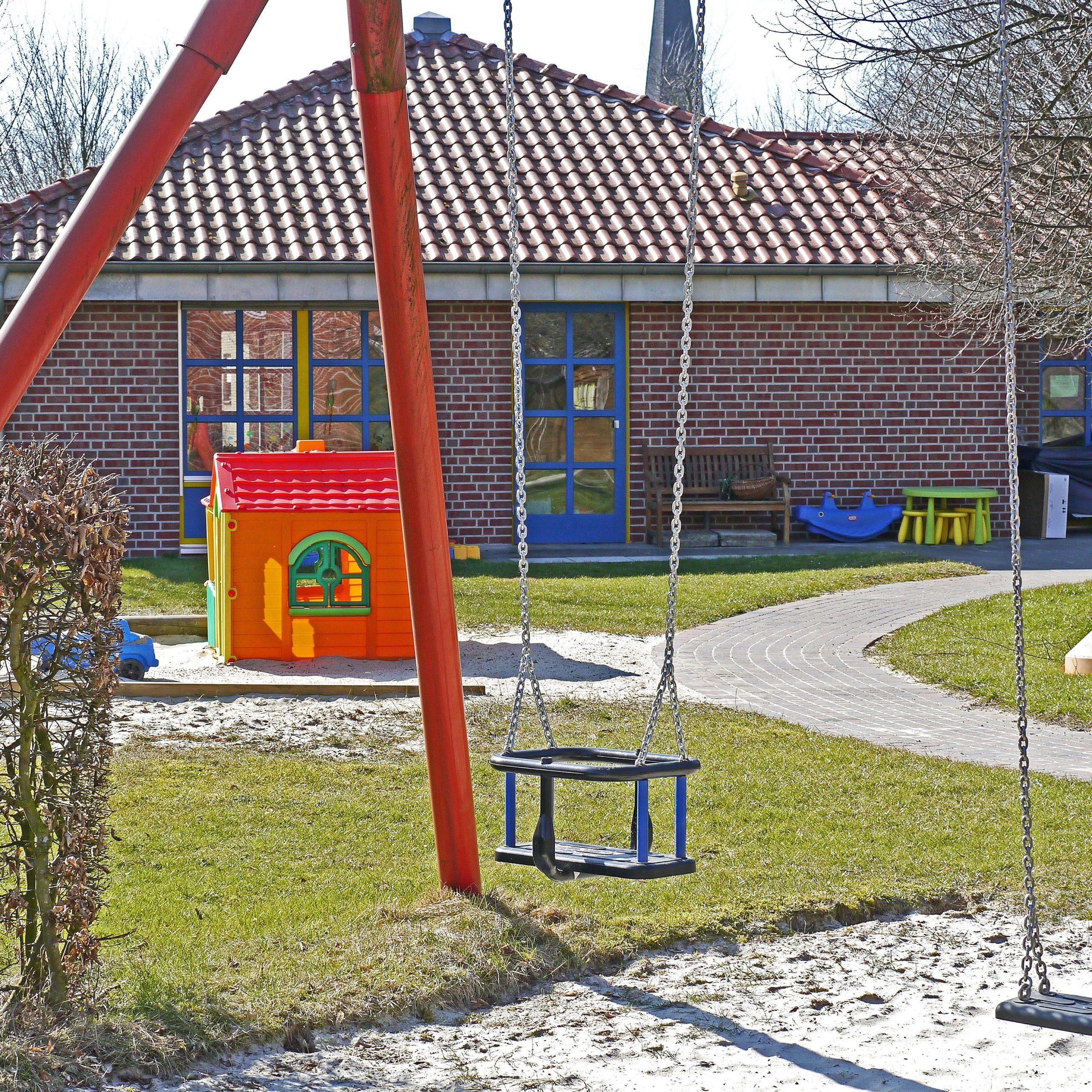 architecture-building-daycare-159790-1-square